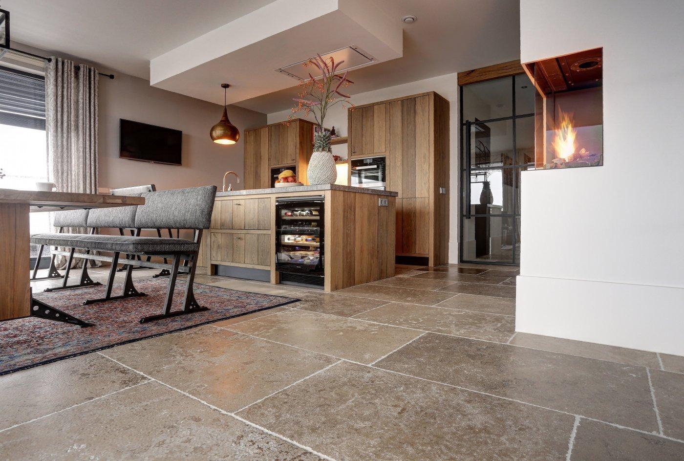 dalles de bourgogne ref n70 bourgondische dallen natuursteen vloeren de opkamer. Black Bedroom Furniture Sets. Home Design Ideas