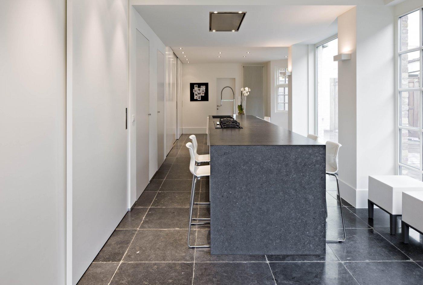 Belgisch Hardsteen Tegels : Belgisch hardsteen tegels de opkamer antieke vloeren en schouwen